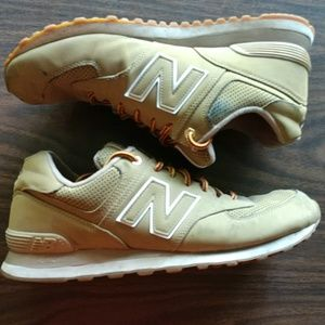 New Balance Sneakers - Tan